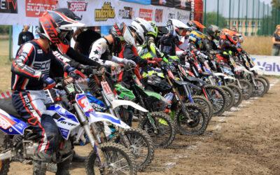 Setka uczestników na Pucharze Polski Pit Bike Off-Road w Wierzchucinie Królewskim